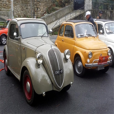 190407_(6)_30-anni-dividono-queste-due-Fiat-500